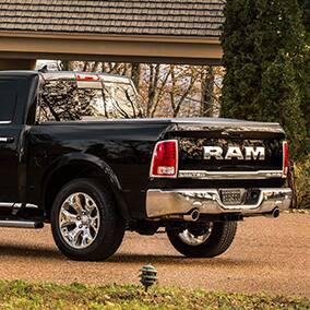 ram1500-exterior-front-quarter-panel-thumb