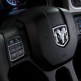 ram1500-interior-steering-wheel-controls-thumb