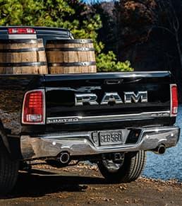 Ram 1500 Limited: puerta trasera, vista en miniatura