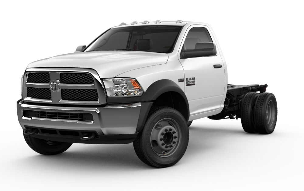 Dodge Ram 5500 >> 2018 Ram 5500 Chassis Cab Competitive Compare